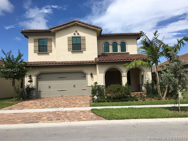 1033 SW 113th Way, Pembroke Pines, FL 33025 (MLS #A10454237) :: The Teri Arbogast Team at Keller Williams Partners SW
