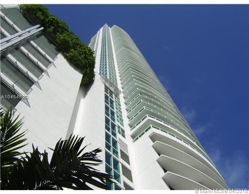 950 Brickell Bay Dr #1904, Miami, FL 33131 (MLS #A10454520) :: Ray De Leon with One Sotheby's International Realty