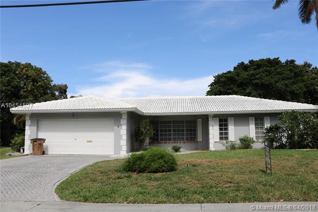 4 Little Harbor Way, Deerfield Beach, FL 33441 (MLS #A10454527) :: Castelli Real Estate Services