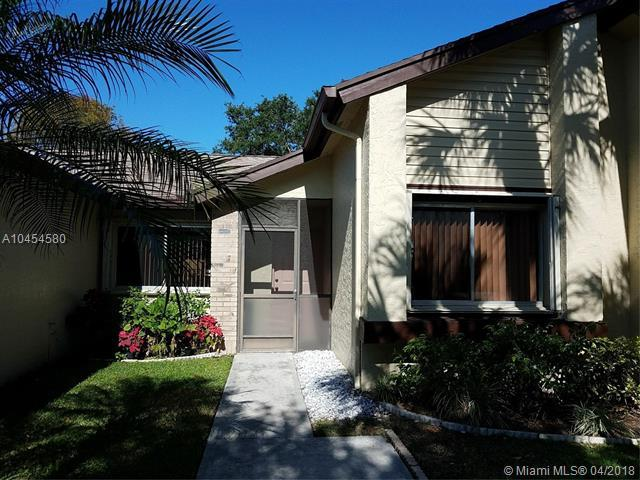 160 Ramblewood Cir, Royal Palm Beach, FL 33411 (MLS #A10454580) :: Stanley Rosen Group