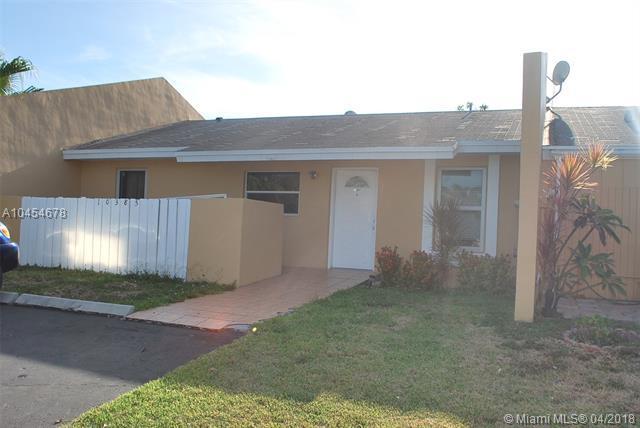 10385 SW 209th Ln #10385, Cutler Bay, FL 33189 (MLS #A10454678) :: Stanley Rosen Group