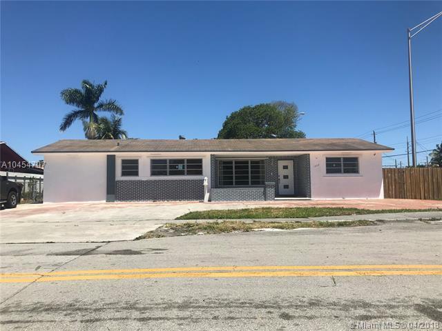1605 W 65th St, Hialeah, FL 33012 (MLS #A10454707) :: The Teri Arbogast Team at Keller Williams Partners SW