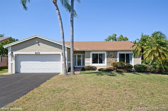 8271 Cassia Ter, Tamarac, FL 33321 (MLS #A10454957) :: Jamie Seneca & Associates Real Estate Team