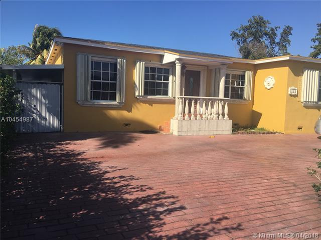 691 E 51st St, Hialeah, FL 33013 (MLS #A10454987) :: Stanley Rosen Group