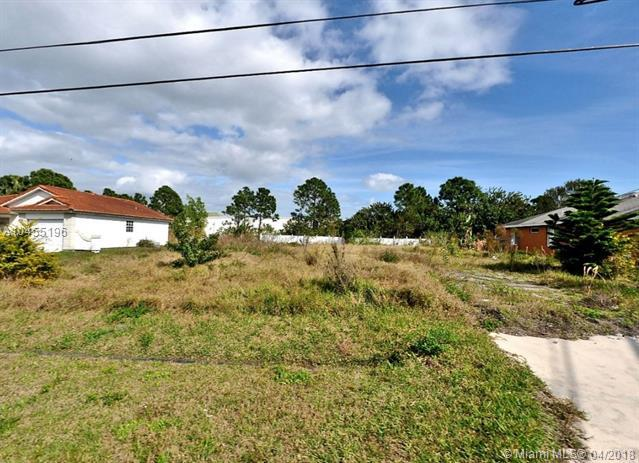 6806 NW Bengal Street, Saint Lucie West, FL 34983 (MLS #A10455196) :: Stanley Rosen Group