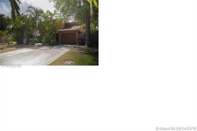 2417 Sundy Ave, Delray Beach, FL 33444 (MLS #A10455256) :: Stanley Rosen Group