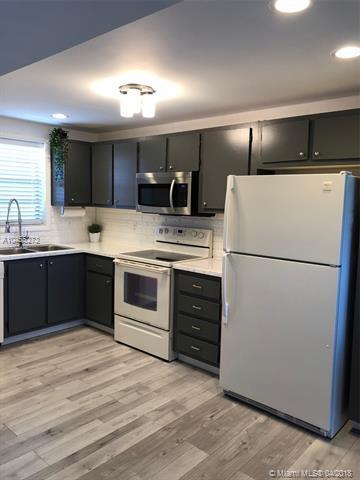 2400 Deer Creek Country Club Blvd 605-1, Deerfield Beach, FL 33442 (MLS #A10455272) :: Stanley Rosen Group