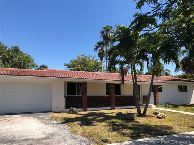 8221 SW 128th St, Pinecrest, FL 33156 (MLS #A10455471) :: Hergenrother Realty Group Miami