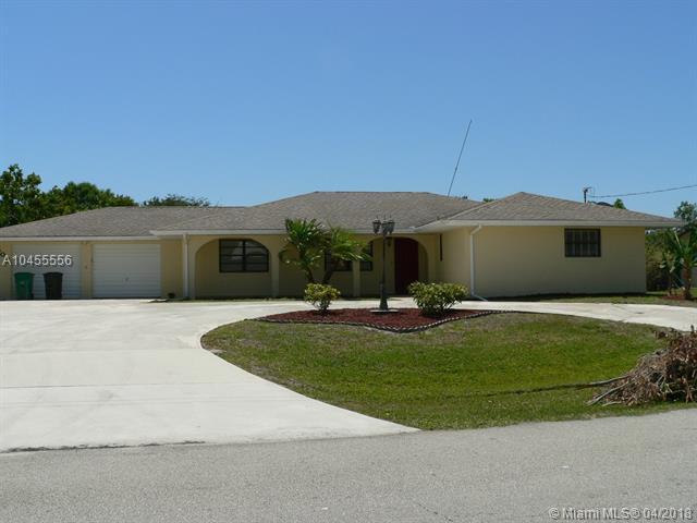 502 SW Violet Ave, Port St. Lucie, FL 34983 (MLS #A10455556) :: Calibre International Realty