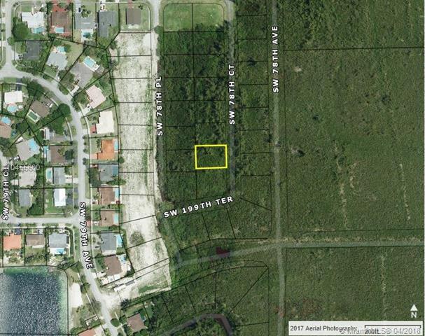 19900 SW 78th Ct, Cutler Bay, FL 33189 (MLS #A10455600) :: Stanley Rosen Group
