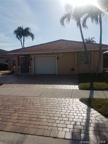 5912 SW 147th Pl, Miami, FL 33193 (MLS #A10455611) :: Stanley Rosen Group