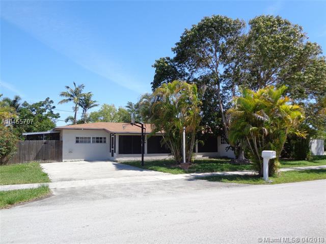 9305 SW 178th Ter, Palmetto Bay, FL 33157 (MLS #A10455707) :: Carole Smith Real Estate Team