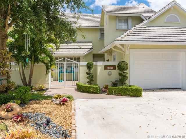 9865 NW 49 Terrace, Doral, FL 33178 (MLS #A10455811) :: Calibre International Realty