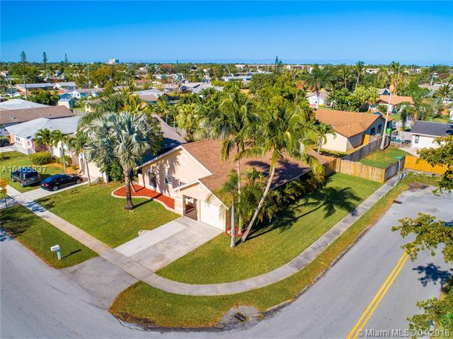 2800 NW 109th Ave, Sunrise, FL 33322 (MLS #A10455837) :: Stanley Rosen Group