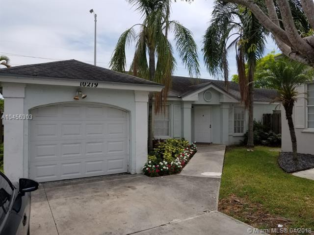 10219 SW 117th Ct, Miami, FL 33186 (MLS #A10456303) :: Stanley Rosen Group