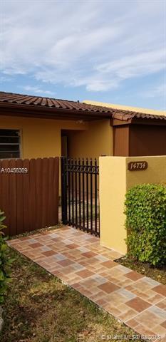 14734 SW 85th Ln #14734, Miami, FL 33193 (MLS #A10456369) :: Stanley Rosen Group