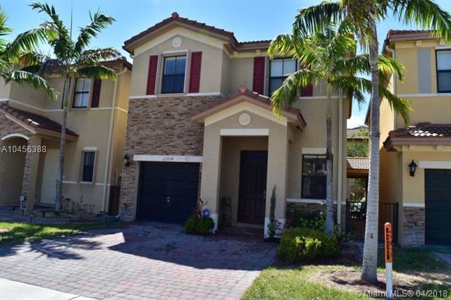 23924 SW 113th Ave, Homestead, FL 33032 (MLS #A10456388) :: Stanley Rosen Group
