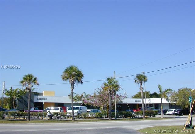 17998 SW 97th Ave, Palmetto Bay, FL 33157 (MLS #A10456420) :: Carole Smith Real Estate Team