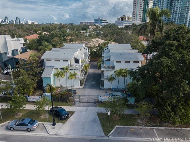 3127 SW 27th Ave #3127, Miami, FL 33133 (MLS #A10456458) :: Grove Properties