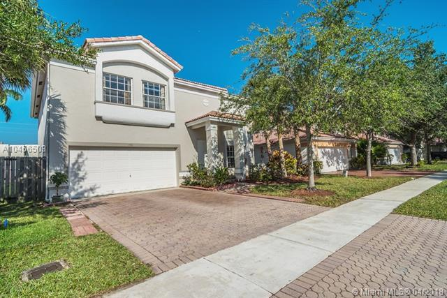140 E Gables Blvd, Weston, FL 33326 (MLS #A10456503) :: Green Realty Properties