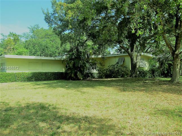 14155 Old Cutler Rd, Palmetto Bay, FL 33158 (MLS #A10456572) :: Carole Smith Real Estate Team