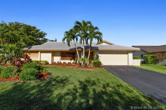 286 NW 105th Ter, Coral Springs, FL 33071 (MLS #A10456581) :: Green Realty Properties