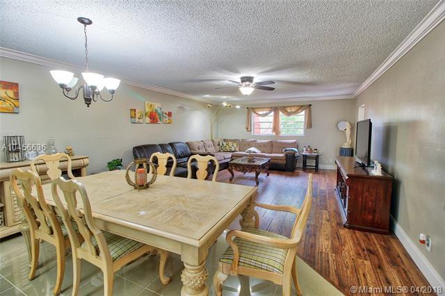22615 SW 66th Ave #311, Boca Raton, FL 33428 (MLS #A10456636) :: Jamie Seneca & Associates Real Estate Team