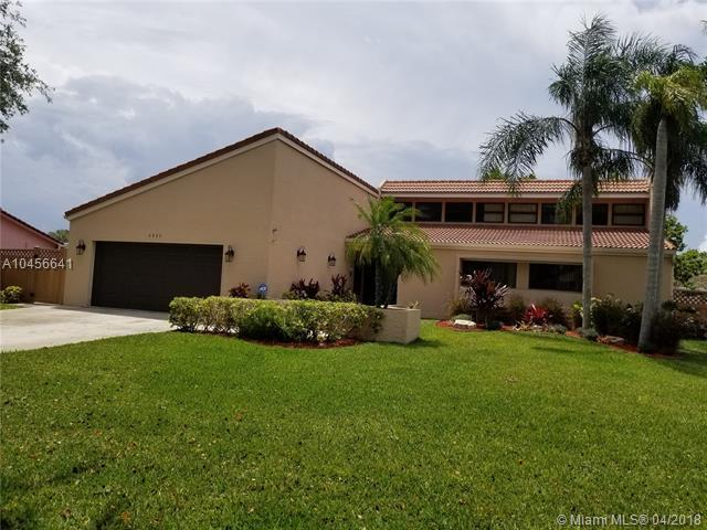 2920 NW 115th Ter, Coral Springs, FL 33065 (MLS #A10456641) :: Jamie Seneca & Associates Real Estate Team