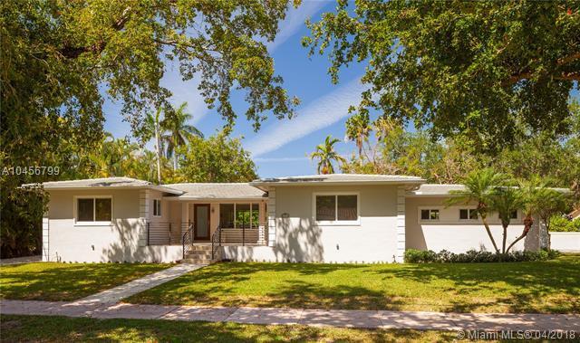 6220 Cellini St, Coral Gables, FL 33146 (MLS #A10456799) :: Carole Smith Real Estate Team
