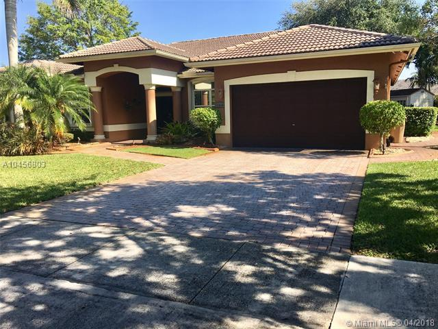 15964 SW 61st Ct, Davie, FL 33331 (MLS #A10456803) :: Green Realty Properties