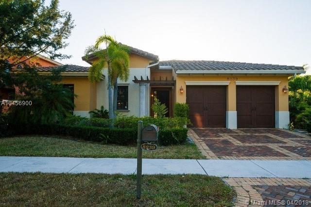 8239 Emerald Ave, Parkland, FL 33076 (MLS #A10456900) :: Jamie Seneca & Associates Real Estate Team