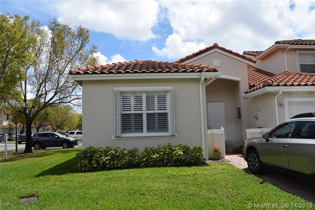 9720 NW 45th Ln #0, Doral, FL 33178 (MLS #A10456959) :: United Realty Group