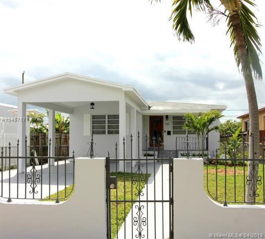 3300 SW 25th St, Miami, FL 33133 (MLS #A10457171) :: Jamie Seneca & Associates Real Estate Team