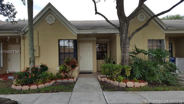 3633 NW 83rd Ln, Sunrise, FL 33351 (MLS #A10457254) :: Green Realty Properties
