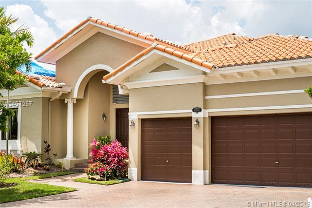 19348 SW 79th Pl, Cutler Bay, FL 33157 (MLS #A10457267) :: The Riley Smith Group