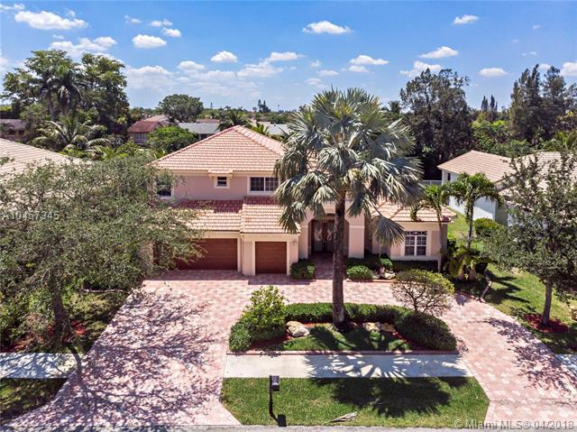 8404 S Lake Forest Dr, Davie, FL 33328 (MLS #A10457345) :: Carole Smith Real Estate Team