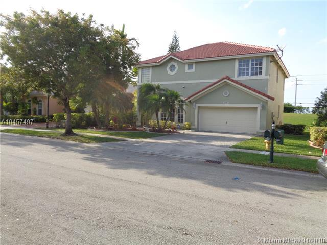 16541 SW 1st St, Pembroke Pines, FL 33027 (MLS #A10457497) :: Stanley Rosen Group