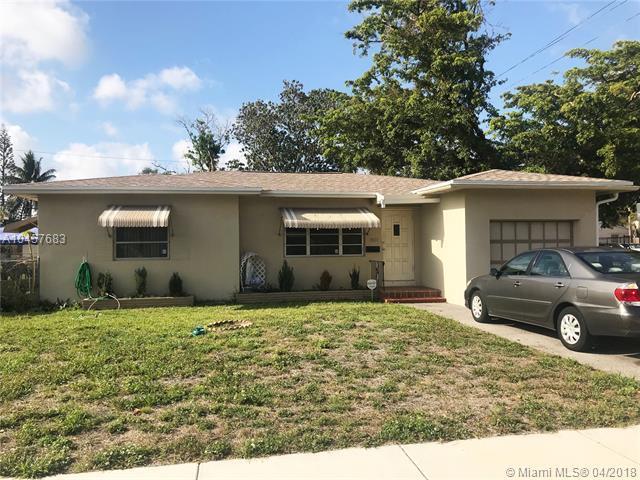 1954 Coolidge St, Hollywood, FL 33020 (MLS #A10457683) :: Stanley Rosen Group