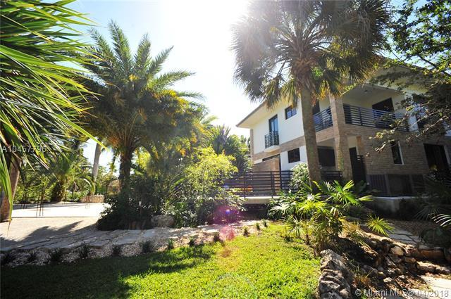 994 NE 78th St, Miami, FL 33138 (MLS #A10457796) :: Prestige Realty Group