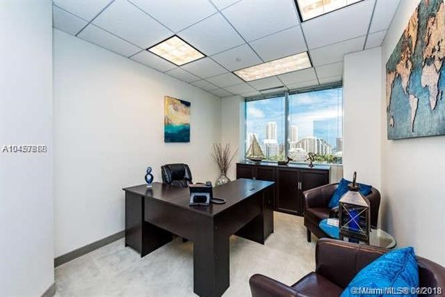 1001 Brickell Bay Dr #1200, Miami, FL 33131 (MLS #A10457888) :: Green Realty Properties