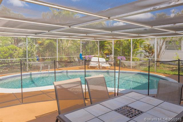 2005 N 38th Ave, Hollywood, FL 33021 (MLS #A10457969) :: Green Realty Properties