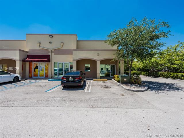 5941 NW 173rd Dr B-8, Miami, FL 33015 (MLS #A10458179) :: The Riley Smith Group