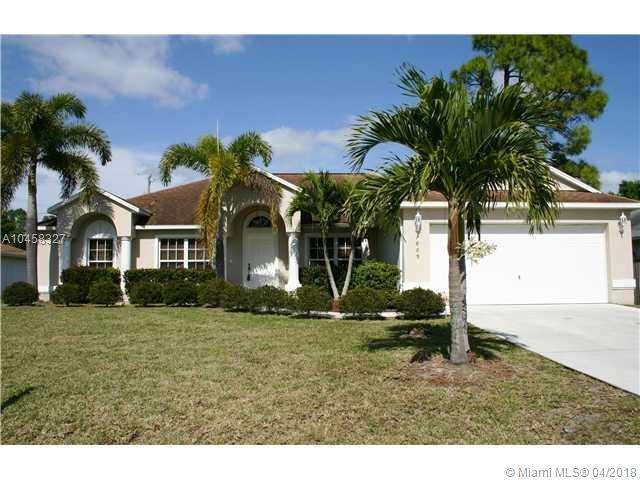 1869 SW Janette Ave, Port St. Lucie, FL 34953 (MLS #A10458327) :: Stanley Rosen Group