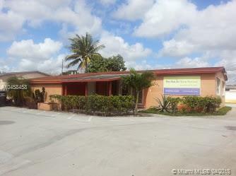 7121 Taft St, Hollywood, FL 33024 (MLS #A10458458) :: Stanley Rosen Group