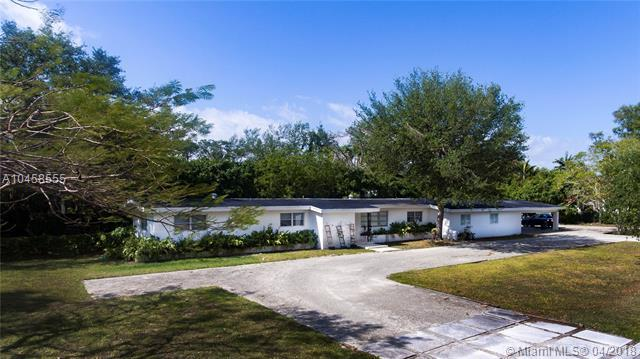 5850 SW 93rd St, Pinecrest, FL 33156 (MLS #A10458555) :: Stanley Rosen Group