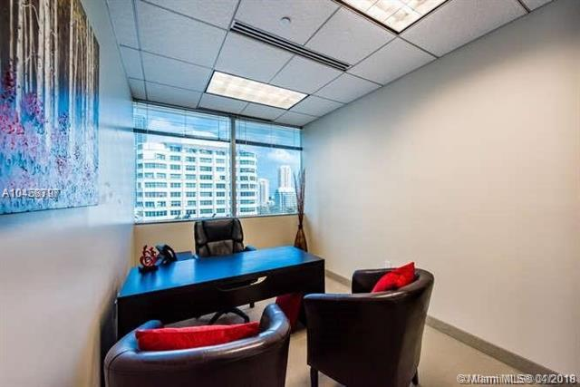 1001 Brickell Bay Dr #1200, Miami, FL 33131 (MLS #A10458797) :: Green Realty Properties