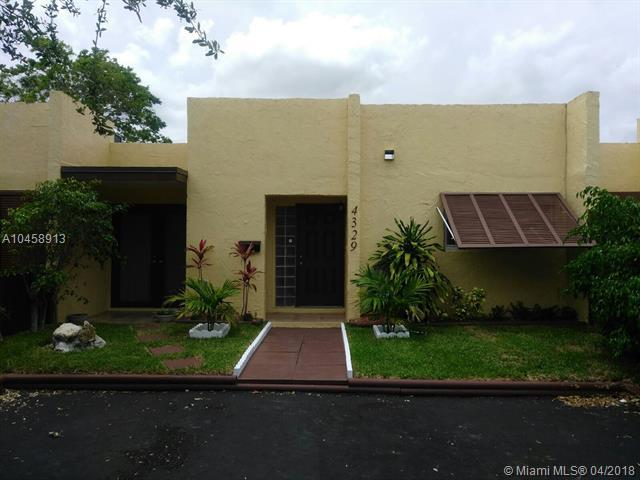 4329 NW 3rd Ave #4329, Deerfield Beach, FL 33064 (MLS #A10458913) :: Stanley Rosen Group