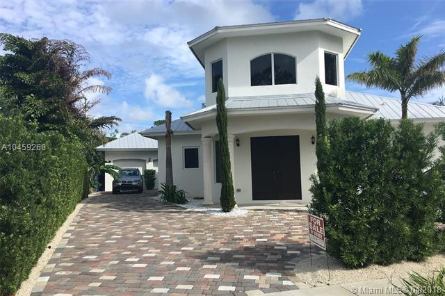1500 NE 4th Ct, Boca Raton, FL 33432 (MLS #A10459268) :: Calibre International Realty