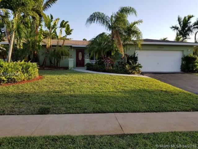 11010 NW 16th St, Pembroke Pines, FL 33026 (MLS #A10459345) :: Prestige Realty Group