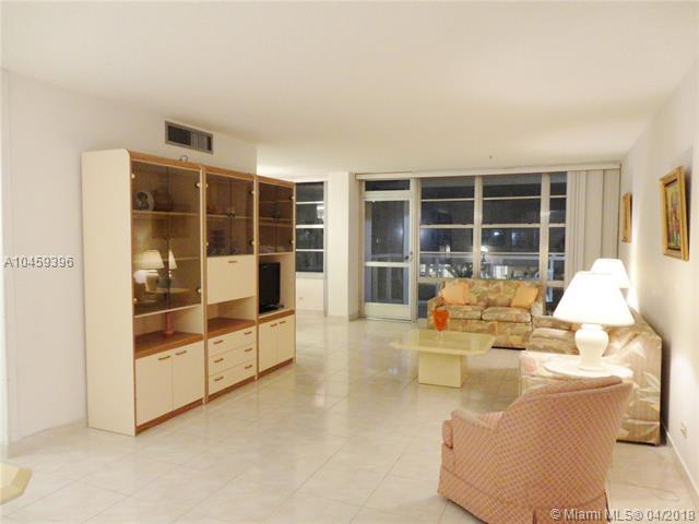 230 174th St #311, Sunny Isles Beach, FL 33160 (MLS #A10459396) :: Calibre International Realty